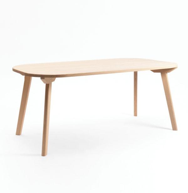 Table en bois massif aronde