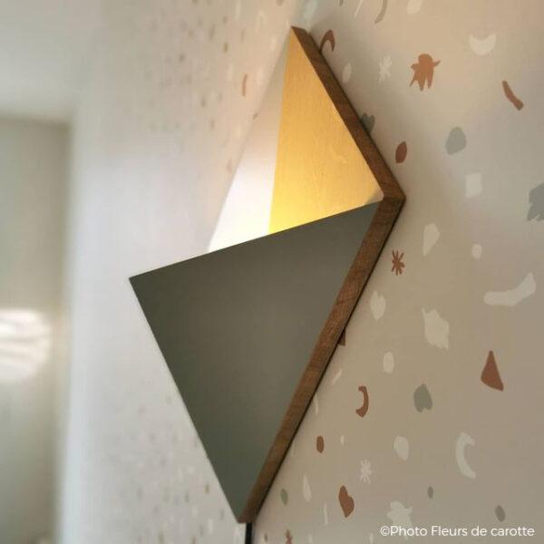 applique lumineuse originale ludique en bois massif lumière forme cerf-volant