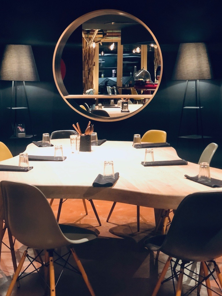 Miroir-Console Namur restaurant la table de demain projet amenagement agence mur-mur maison de la culture