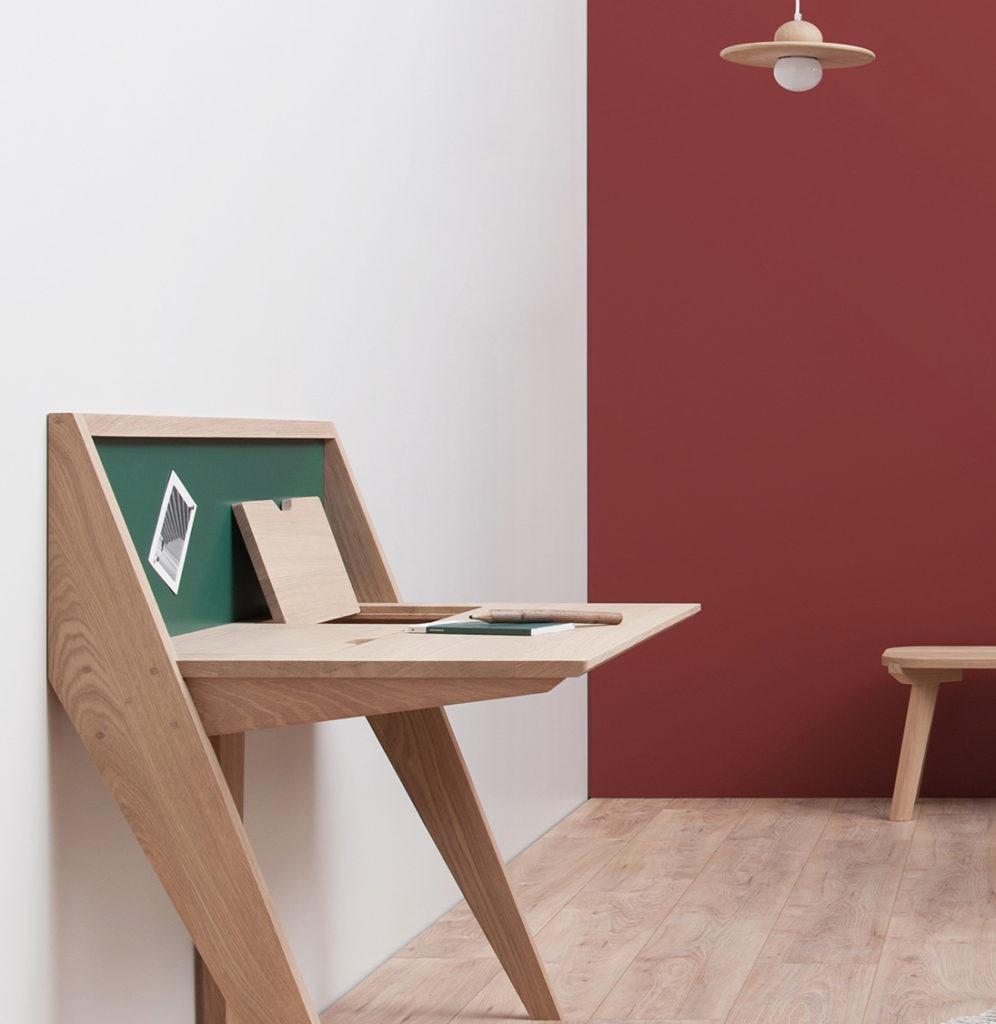 bureau Compas moderne tendance déco scandinave chambre blanche chêne vert rouge brique