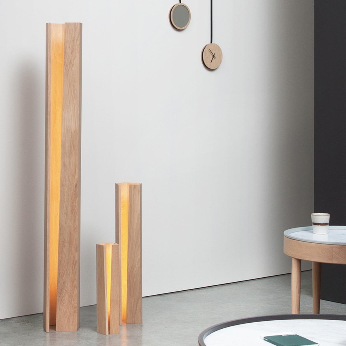 lampe a poser design en bois massif made in france éclairage du salon tendance lumière chaude espace de détente bien-être