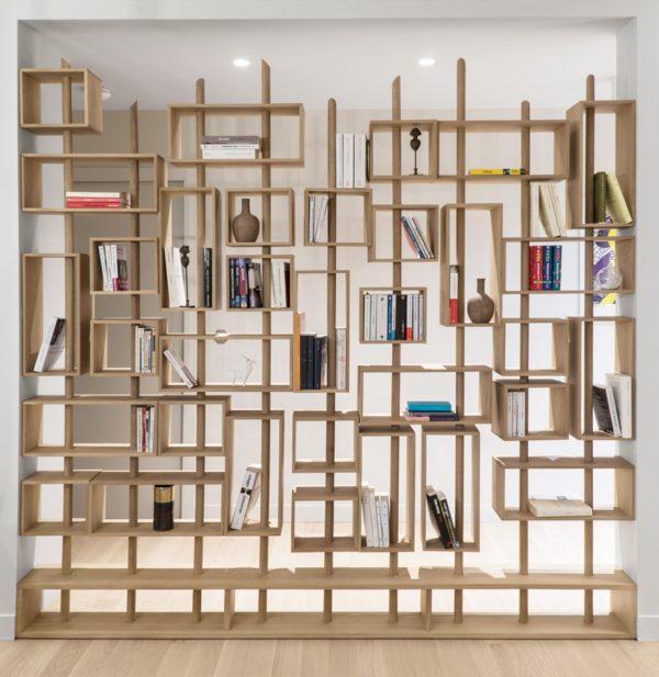 bibliothèque traversante paroi couloir transparente agrandissement décoration intérieure