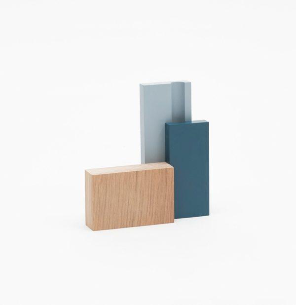 petit vase soliflore en bois bleu clair bleu foncé