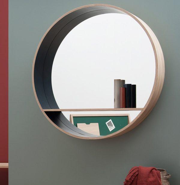 grand miroir reflet lumière naturel décoration ambiance scandinave tablette murale intégrée rangement vase laiton mur peinture vert kaki