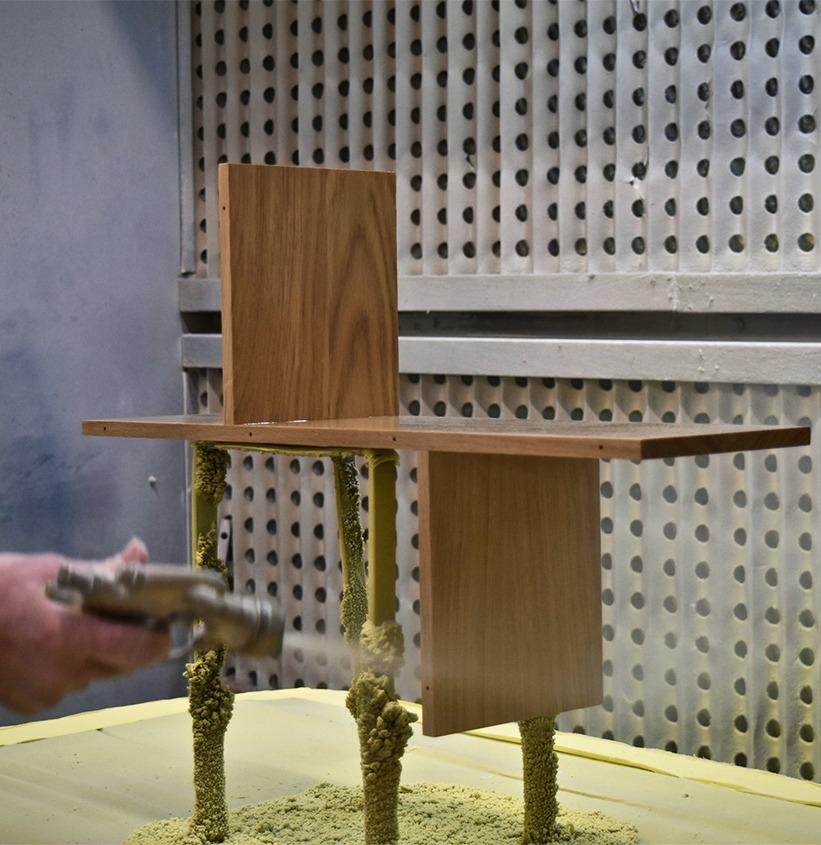 mobilier sur-mesure étagère bois massif couleur personnalisable atelier menuiserie Drugeot