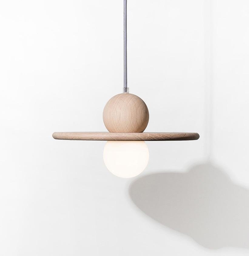 suspension luminaire design rond nébuleuse cordon anthracite chêne naturel