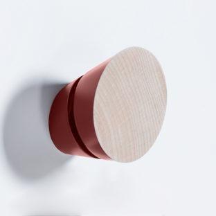 patère en bois massif rouge tronquée