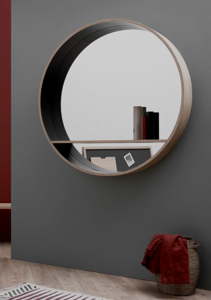 décoration salon bois et noir mur sombre peinture